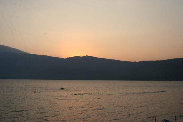 Atardecer 2 en el lago de Coatepeque - copia
